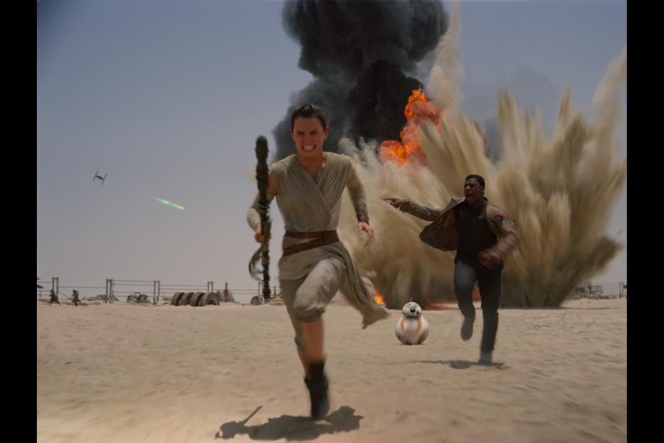 'Star Wars: The Force Awakens' movie review by David Morris - LATF USA