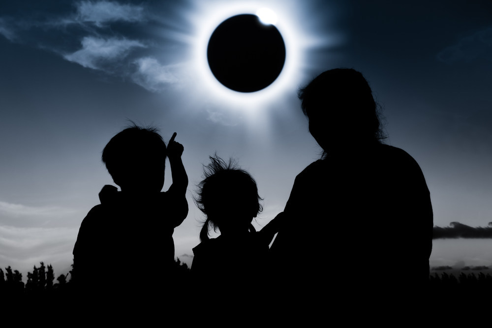solar eclipse, cheap flights