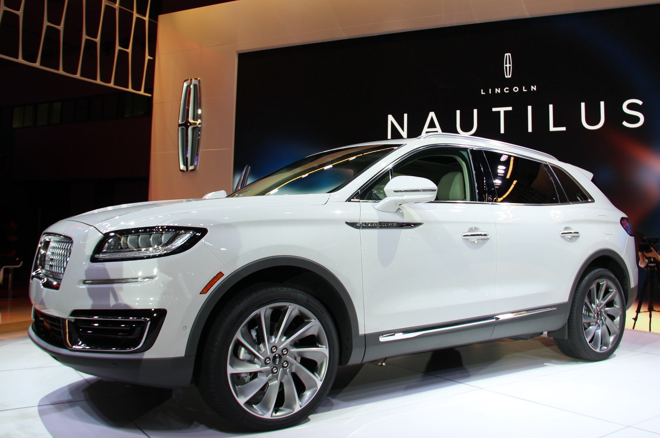step inside the 2017 la auto show the year of the suv latf usa. Black Bedroom Furniture Sets. Home Design Ideas