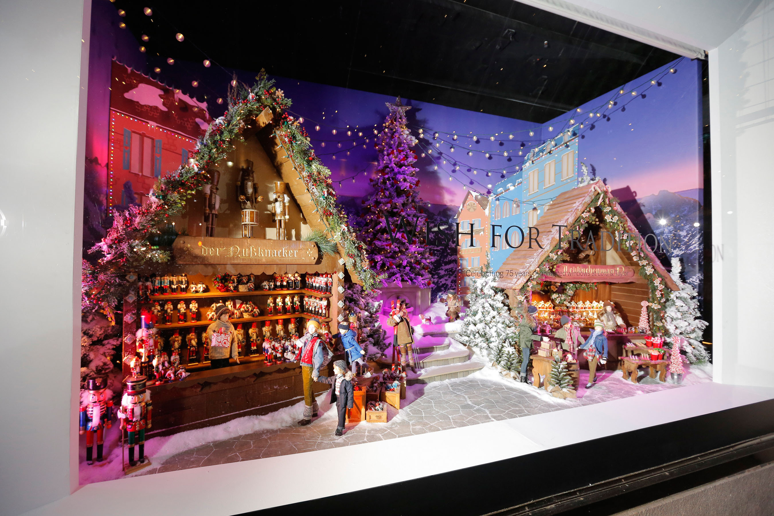 Lord And Taylor 2020 Christmas Windows Lord And Taylor Nyc Christmas Windows 2020 | Axvxsh