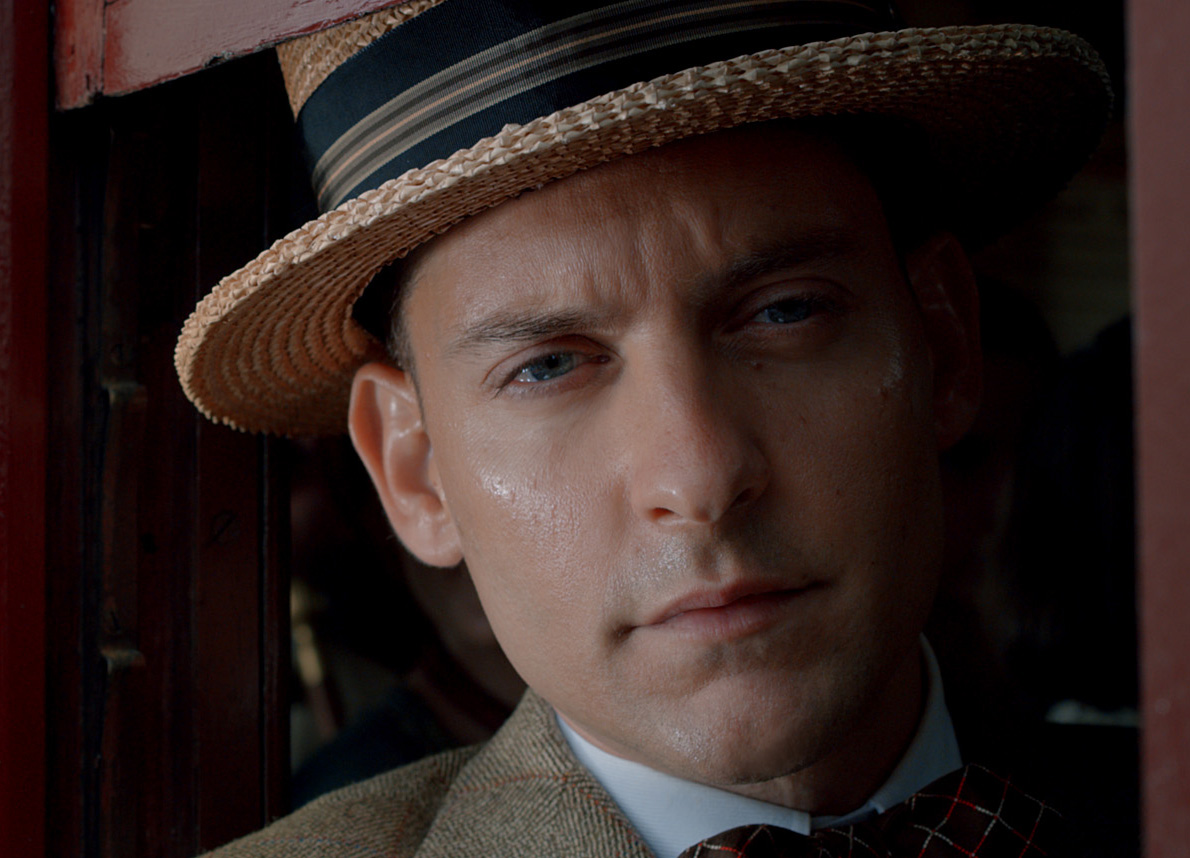 "the role of nick carraway in fscott fitzgeralds novel the great gatsby In f scott fitzgerald's the great gatsby, gatsby goes to spectacular lengths to try to achieve what nick carraway calls ""his incorruptible dream"" (155): to recapture the past by regaining ."