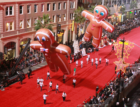 The Hollywood Christmas Parade Is Back! | LATF USA