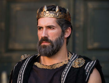 the role of the king in the time of greek tragedies Which of the following most likely influenced shakespeare's inclusion of the three weird sisters in macbeth many classical greek tragedies involved witches male actors played the roles of female characters king james i considered witches agents of evil king james i dabbled in witchcraft and prophecy.