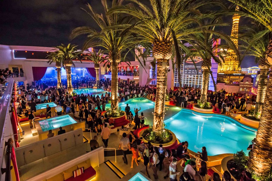 Drai 39 s las vegas top notch partying with a view latf usa for Pool and patio show las vegas