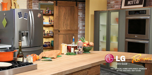 Rachael Ray & LG Electronics Do A Kitchen Makeover | LATF USA