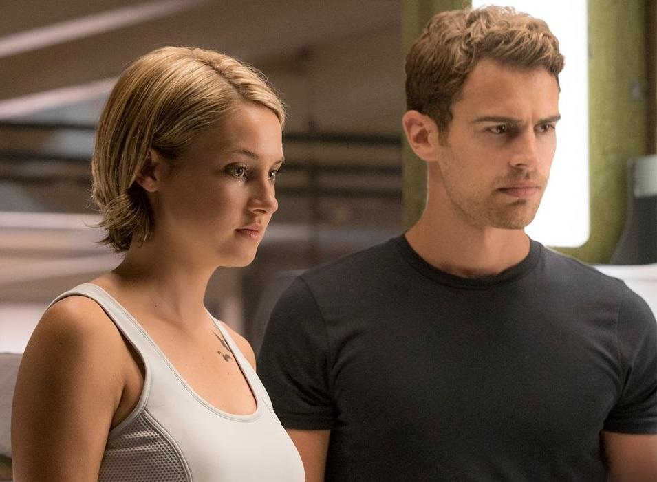 Ammco bus : Divergent 3 allegiant (2016)