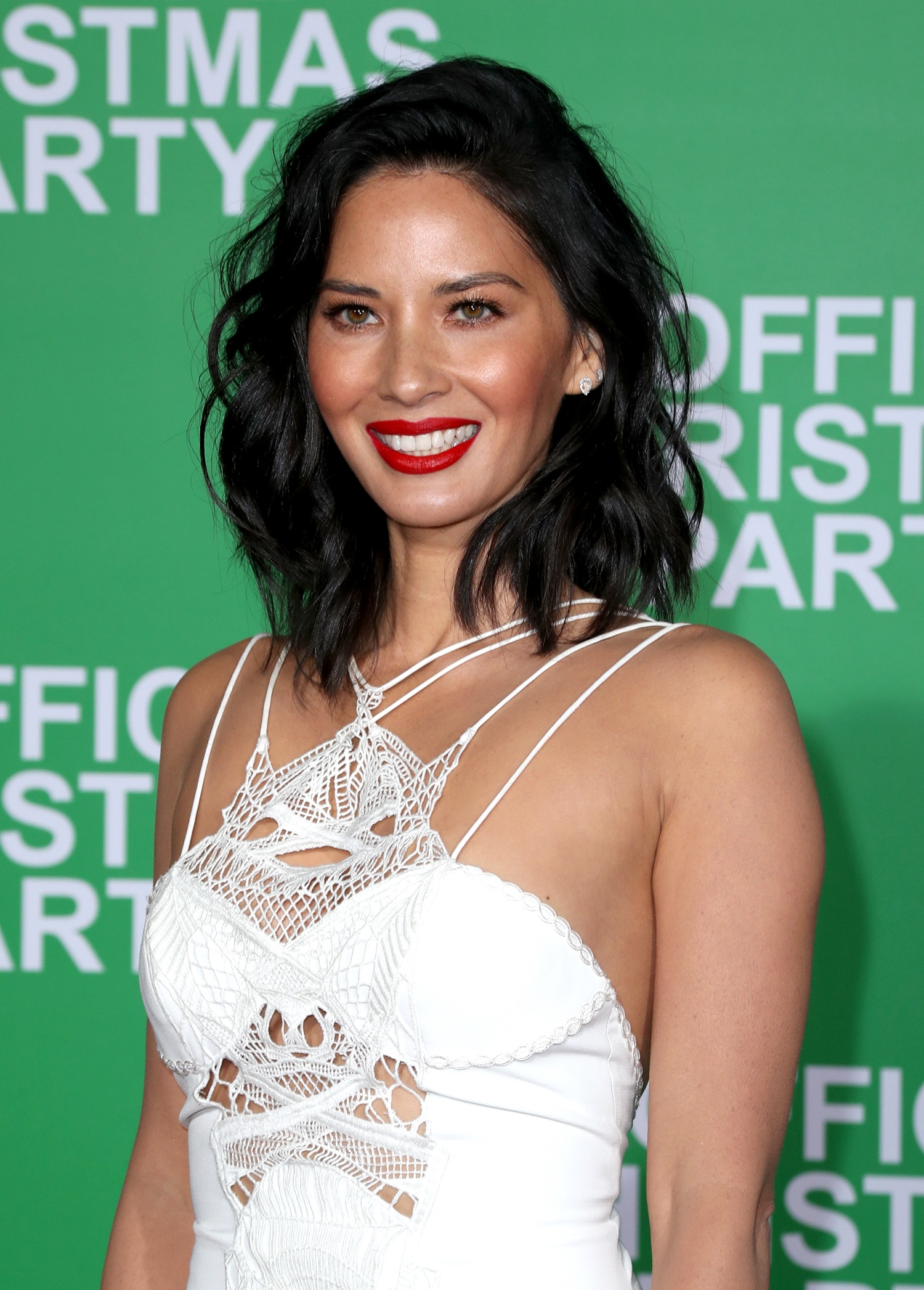 olivia munn, office christmas party premiere