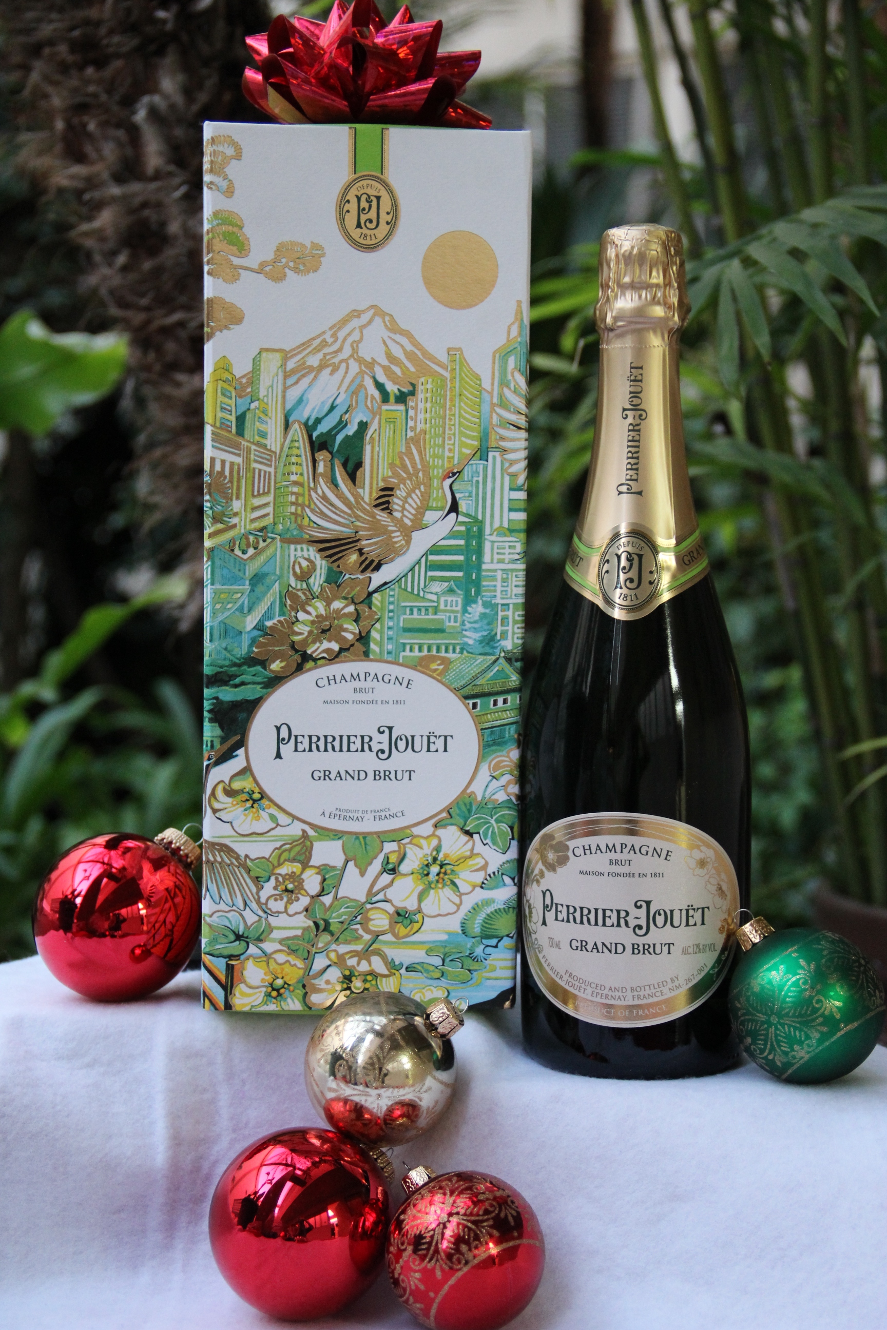PERRIER-JOUËT champagne review, michele Elyzabeth