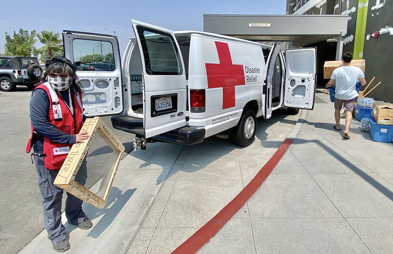 american red cross, california wildfires, volunteer